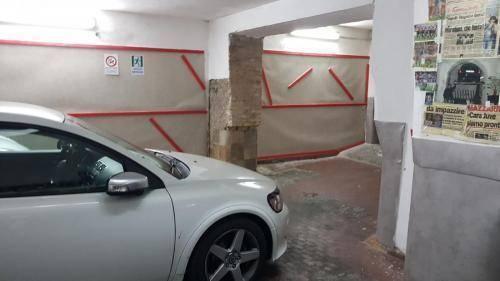 PARKING CAR